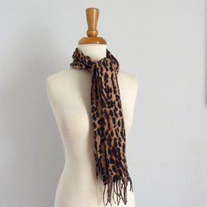 V FRASS  Rectanble Animal Print Scarf
